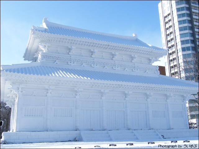 8丁目 雪のHTB広場「大雪像 韓国・百済王宮」