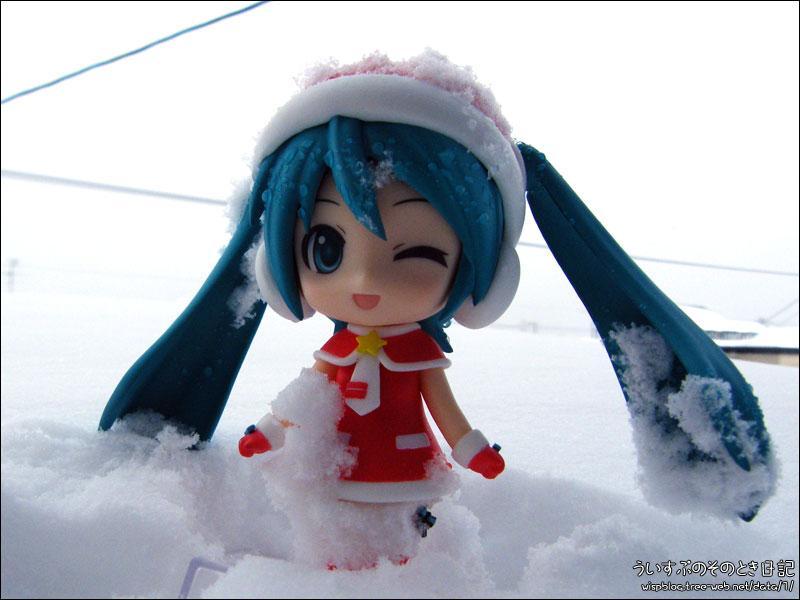 もう、ずーと雪。雪欲しい人持っていって!