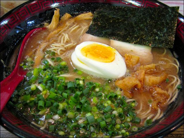 ラーメン八卦で一周年記念「豚スープ(久留米豚骨)」を食べてきた!
